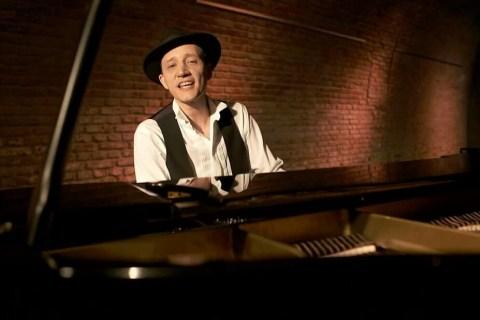 Bar-Pianist-mit-Gesang-aus-Muenchen-5