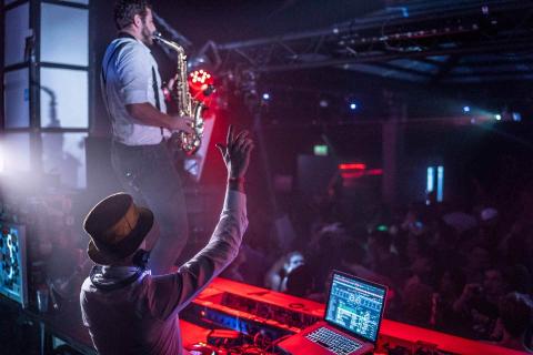 Der-vielseitige-Event-DJ-aus-Muenchen-6