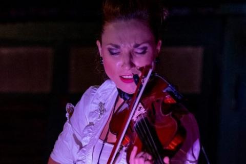 Harmonische-Show-Violin-Feuer-Licht-10