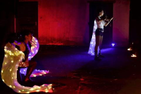 Harmonische-Show-Violin-Feuer-Licht-9